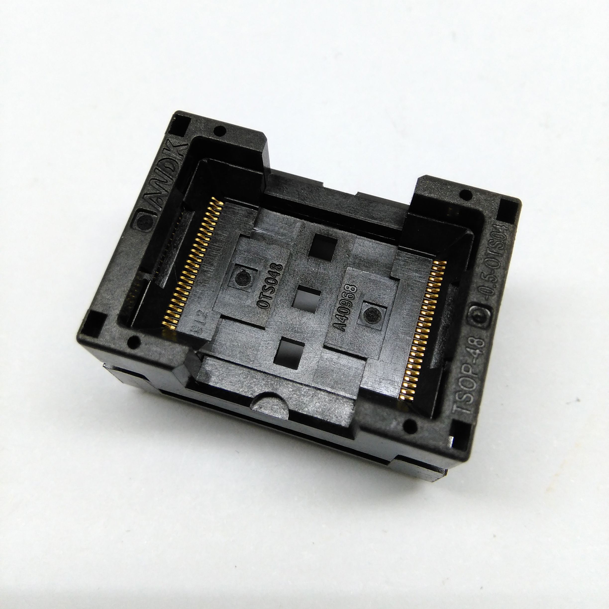 TSOP48-0.5 Open Top Broad Body Burn in Socket L85 Size14.2*18.4 IC Test Socket Flash Adapter Conversion Block